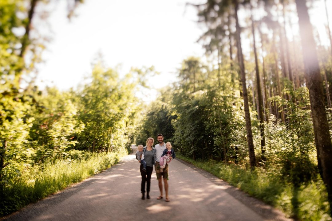 Familienshooting im Wald München Outdoor Familie Baby Kind